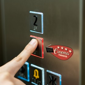 Druck auf Ihr Aufzug Panel Druck auf Metall